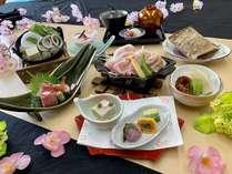 魚介のいしる鍋と能登豚陶板焼きの入った「春のスタンダード会席」プラン