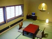■京の町の路地を見下ろせるお部屋(京間7畳半)