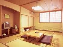 スタンダードな和室、12畳で6名様までご利用できます