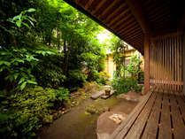 【筑新客室】四季折々で自然の表情を愉しめる縁側