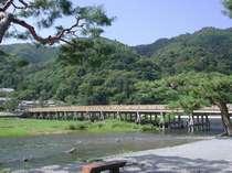 ☆名勝・嵐山のシンボルである渡月橋、新緑の頃。