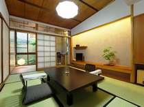 【秀山閣】一般客室・6畳和室。比較的ゆったり感がある人気のプチの間6畳。