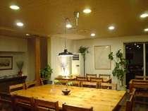 ゲレンデビューのホールは、お食事やおしゃべりも楽しくなります。