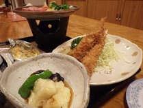 *【夕食全体例】4~5品からなる女将手作りの家庭的な料理をご提供いたします。