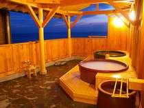 貸切展望露天風呂は、知多の海を見ながら。潮風と檜の香りがさいこうです!