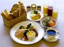 朝食バイキングは、品数の豊富さが自慢!