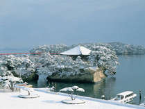 雪化粧の五大堂(冬のイメージ)