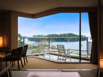 窓の外に広がるのは、日本三景「松島」!写真は客室一例