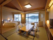 松島湾に面した3階新改装室「月うさぎ(和洋室)」。お部屋から松島の景色をお楽しみ下さい。