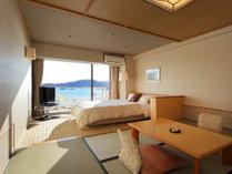 海側和室(6畳+セミダブルベッド)の一例