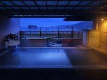 松島温泉「絹肌の湯」露天風呂(女性側)