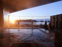 松島温泉「絹肌の湯」露店風呂(男性側)朝日を望む