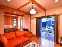 【華 ~hana~】   憧れのステップフロアと木の温もり満載の洒落た客室