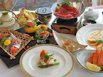 【旬の魚介類と新鮮野菜の会席】見た目も楽しみながらお召し上がりくださいませ。
