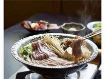 白骨温泉の温泉水を使用した当荘限定の「温泉鍋」