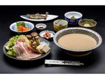 白骨温泉の温泉水を使用した「温泉鍋」の滋養六菜のご夕食