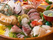 黒部・生地は清らかな名水の里。海流がぶつかる黒部漁港のお魚は富山県一の美味しさ!