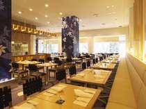 開放感あふれる明るい店内の「グランカフェ パティオ」で、朝食ブッフェをお楽しみいただけます。