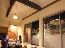一番人気客室「燕えん」。2人乗りブランコ&ハンモック付。