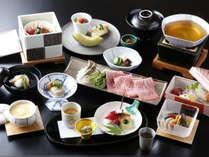 当館人気№1旬菜会席:季節ごとに調理長自らこだわり抜いた会席料理をご堪能ください。