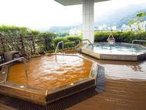 【展望大浴苑:雲海】有馬の名湯「金泉」と丹波の山々を見晴らせる絶景が一度にお楽しみ頂けます。