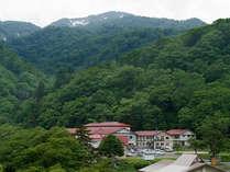 *夏油温泉は、ブナの原生林に囲まれた深山幽谷の地にある秘湯です。