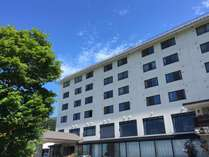 高社山735mに建つ真っ白な建物☆ホテルからは善光寺平を一望☆