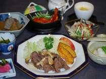 夕食メニュー【新鮮な食材と父が手作りの無農薬野菜のほか地元産を使用】②