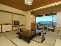 上州の山々をのぞむ展望客室(一例)