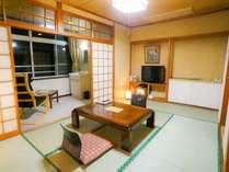 【東館4F~2F・スタンダード・和室8畳】カップルにオススメのお部屋です。距離感が縮まります。