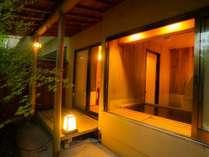【東館B1・無料貸切露天風呂・二人静】お風呂上りには縁側でゆっくりと伊香保の風を感じてください。