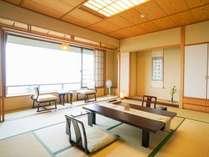 【東館最上階・禁煙・和室11畳】伊香保随一の眺望を誇る晴観荘の展望室です。最上階は禁煙フロア―です。