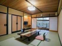 【西館 グループ向き広々エレベーターなし(12畳+広縁)】懐かしい風情のある和室です。