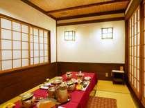 【個室のご夕食】お食事処かえでの障子座敷でごゆっくりぐんまの旬味をお楽しみください。