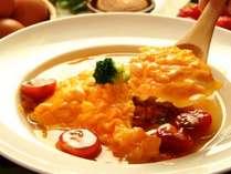 ふんわりとろとろスープオムライス♪人気の「青山の玉子」を使用しています。