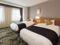 【客室】デラックスツイン・部屋広さ…38㎡・宿泊人数…1~3名・ベッド幅…140cm