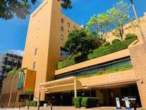 地下鉄天神駅から徒歩5分!3階にガーデン(庭園)があるホテル