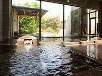 老神の名湯は肌触りが優しく、女性や子供にも適した単純温泉