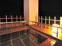 当館最上階から老神の山々が見渡せる客室露天風呂