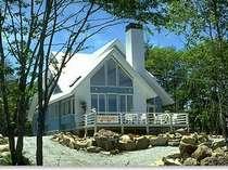 別荘と建てる参考にと見学者が多数お見えになります。