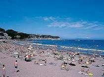 河津浜へは歩5分、お隣今井浜(写真)へも歩10分程。水着のままで