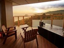 【香扇閣】露天風呂からは美しい三河湾、広々デッキで癒しの時間をお過ごし下さい。※一例