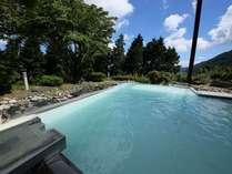 乳白色の露天風呂と温泉の薫りをお楽しみ!