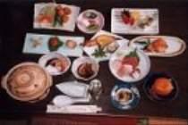 お刺身や焼き魚などの地魚中心のお夕食