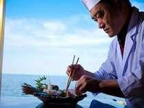 料理長が心を込めて作り上げる・・・贅を尽くしたお正月料理をどうぞ♪