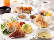 北海道の食材を豊富に使った約60種類の和洋バイキングメニューをご用意。