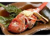 伊豆特産の金目鯛の姿煮は女将の自慢の逸品