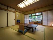 【客室】最大5名様ご利用いただける10畳の和室☆