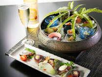 前菜一例 テルメオリジナル皿鉢料理と鰹たたき5種盛り