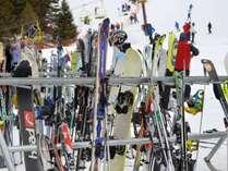 スキー場まで煩わしい運転がなくてラクチン♪往復無料送迎付き!!1泊2食付